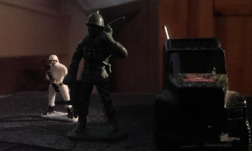Les militaires dans la base