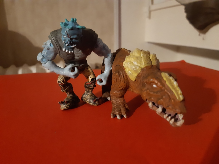 Le monstre et le zombie