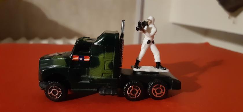 Le Soldat et son camion